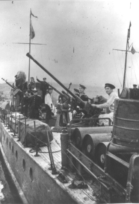 MO-4 Soviet with 24mm on Stern
